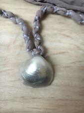 Muschel Kette 1, Sommer, silberne Muschel, lila Band, DIY, recycled, Länge 50 cm