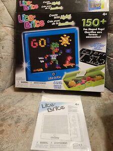 Hasbro Lite Brite 150 Fun Shaped Pegs Reusable (Templates New) 4 Light Effects