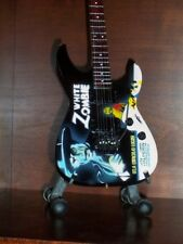 Mini Guitar METALLICA KIRK HAMMETT White Zombie GIFT Memorabilia FREE STAND ART