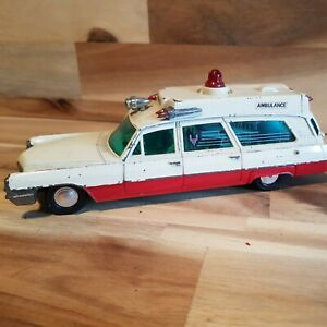 DINKY TOYS -  SUPERIOR CRITERION AMBULANCE 1967-71
