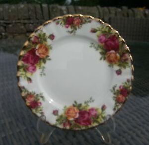 """Vintage Royal Albert OLD COUNTRY ROSES 6.25"""" Side Plate, Original Backstamp"""