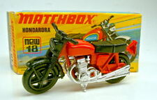 Matchbox SF Nr.18B Hondarora rot schwarze Plastikräder top in Box