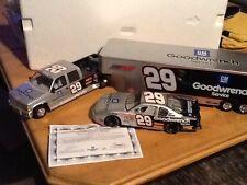 NEW 1:24  DIECAST KEVIN HARVICK #29 CREW CAB & CAR HAULER & RACE CAR