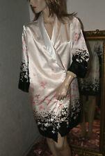 Glanz Negligee - Mantel Satin seidenglatt schwarz weiß Blütenpasse H&M Gr. S