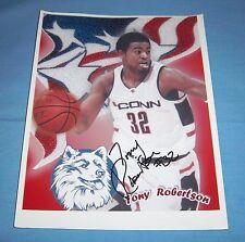 UConn Tony Robertson Signed Autographed 8x10 Photo B