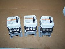 (3) FUJI ELECTRIC SS302H-1Z-D2 SOLID STATE CONTACTOR RELAY W/ SX1-E12 HEAT SINK