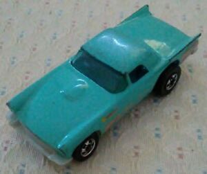 Hot Wheels 1977 Powder Blue Roadster Die-cast Vehicle with Fins in Front/Rear!