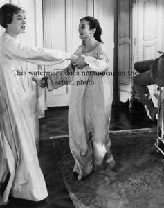 JULIE ANDREWS sings My Favorite Things SOUND OF MUSIC Photo CHARMIAN CARR Rare