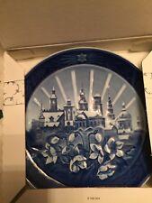 2008 Royal Copenhagen Christmas Plate - Churches, Christmas Roses - New in Box
