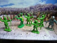 BRITISH MADE VINTAGE ROBIN HOOD FIGURES ,54 MM ,PLASTIC-RARE LOT DEA  !!-L@@K!!!