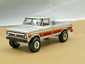 dcp/greenlight Custom lifted silver-2 1977 Ford F-150 pickup off road 1/64