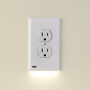 SnapPower GuideLight 2 - Night Light - Outlet Wall Plate With LED Night Lights