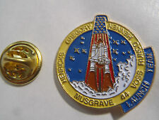 PIN'S SPACE SHUTTLE MUSGRAVE 44 VOSS RUNCO HENNEN HENRICKS GREGORY LAUNCH TEAM