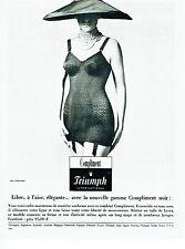 Publicité Advertising 067  1965  Triumph International  gaine Compliment sous ve