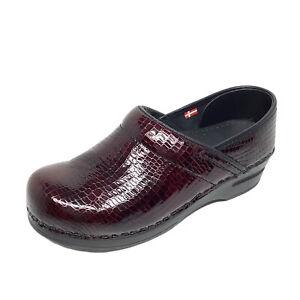 Sanita Women's Size 7.5-8 EUR 38 Snake Skin Print Patent Leather Clogs Burgundy