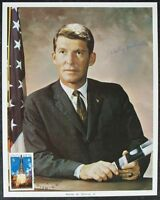 s1442) Mercury Gemini Apollo Astronaut - Walter M. Schirra NASA Photo Autograph