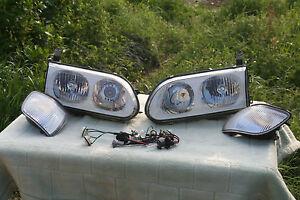 Mitsubishi Delica Headlight white set Left and Right Japan
