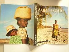 MADAGASCAR COLLECTIF ED TOUT POUR L'ECOLE SOUS ETUI 1970