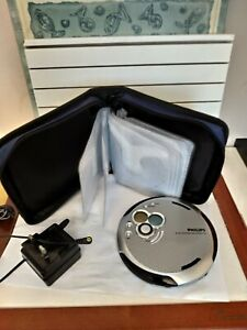 PHILIPS  AX 5391/05Z VINTAGE CD PLAYER  WITH CHARGER AND CASE