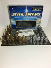 Parker Brothers Star Wars Episode II: Attack of the Clones Chess Set
