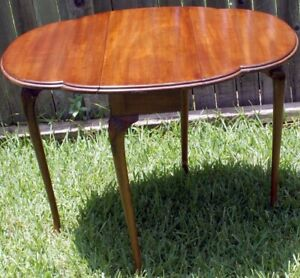 SOLID Petite ANTIQUE ENGLISH WALNUT DROP LEAF SIDE KITCHEN OCCASIONAL END TABLE