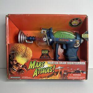 Mars Attacks! 1996 Martian Brain Disintegrator Blue Toy Gun NIB RARE VHTF