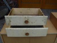 Alte Weichholz Schubladen 2 gleiche Stück