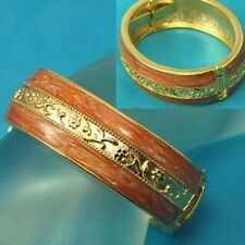 Beige Enamel Classy & Elegant NWT Beautiful Goldtone Hinged Bangle Bracelet #588