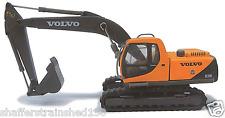 Atlas # 30000084 Cararama Volvo EC210 Excavator - Assembled Yellow/Bl HO MIB