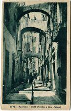 1935 Sanremo città Vecchia via Palma strada case passanti France FP B/N VG ANIM