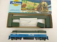HO scale Athearn U33C Great Northern  Diesel Locomotive 2538
