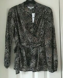 BNWT DOROTHY PERKINS Petite Non Animal Wrap Top - Size 8 - RRP £27