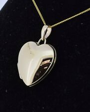 9ct Yellow Gold 17mm Heart Locket