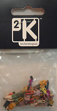 2K 556 - 25 Painted Plastic Standing Figures ApproxOO Gauge 1:100 Scale 1stPost