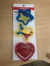 New listing Chef<style> Cookie Cutters (3) ~ Blue Star ~ Yellow State of Texas ~ Red Heart