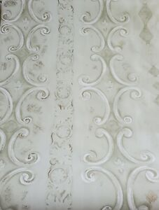 VTG DOUBLE ROLL-WALLPAPER CAREY LIND LIGHT GREEN WITH GOLD ACCENTS