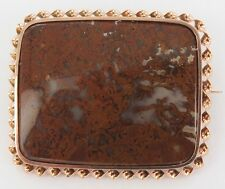 .LARGE 14CT GOLD & SWIRL BROWN AGATE BROOCH WEIGHS 15.7 GRAMS.