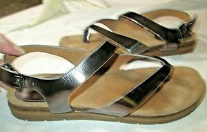 Sofft Women's Silver Metallic Thong Slingback Strappy Sandals Sz 9 LKN
