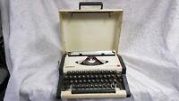 Olympia Traveller De Luxe Vintage Portable Manual Typewriter in Hard Case Grade