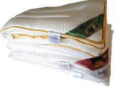 Couettes en microfibre pour le lit 200 cm x 200 cm