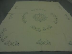 Pretty White California King w/Blue Table Top Embroid Flowers & Fr Quilt