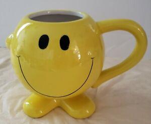 "BW Large Yellow Smiley Face Happy Emoji Coffee Cup Ceramic Mug Microwave Safe 5"""