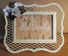 PICTURE FRAME NEW-HAND DECORATED ( PICTURE SIZE 6 X 4 FRAME SIZE 9 X 7)