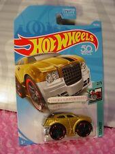 CHRYSLER 300C #156 US 50 ✰Gold;red rim pr5✰TOONED✰2018 Hot Wheels case G