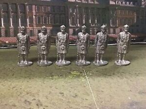 Herald Recst metal figures 54mm Scottish Highland Regiment 6 unpainted figures