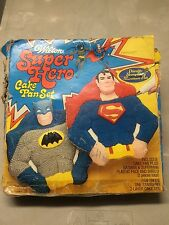 WILTON SUPER HERO CAKE PAN SET, Batman & Superman, Vintage 1977