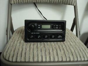 1998_2011  Ford Crown Victoria  Am FM Radio Receiver Speaker Stereo