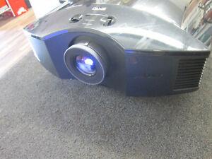 Sony VPL-HW30ES LCoS Projector