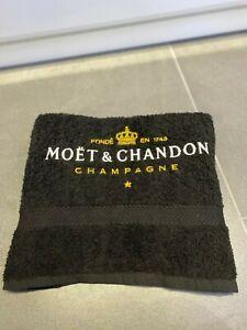 BLACK HAND TOWEL MOET & CHANDON CHAMPAGNE LOGO EMBROIDERED