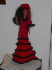 poupée mannequin et ses habits